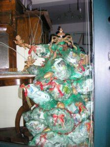 albero natale riciclato