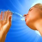 L'importanza di bere acqua, anche per dimagrire